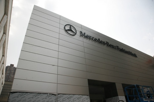 2011-08-Mercedes-Benz-Fashion-Week-Tents
